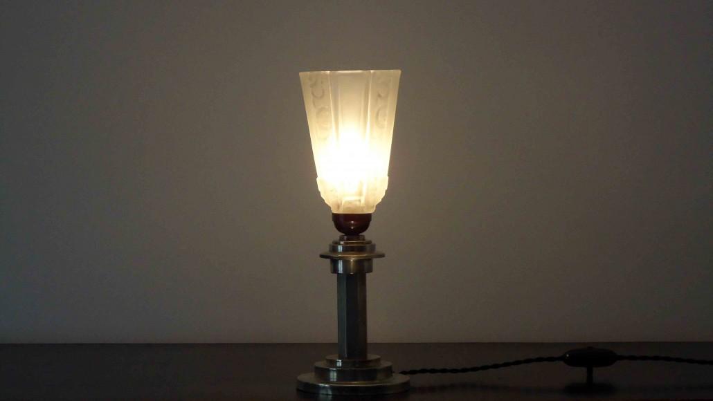 Les lampes du cr ateur william mercier for Pied de lampe metal argente
